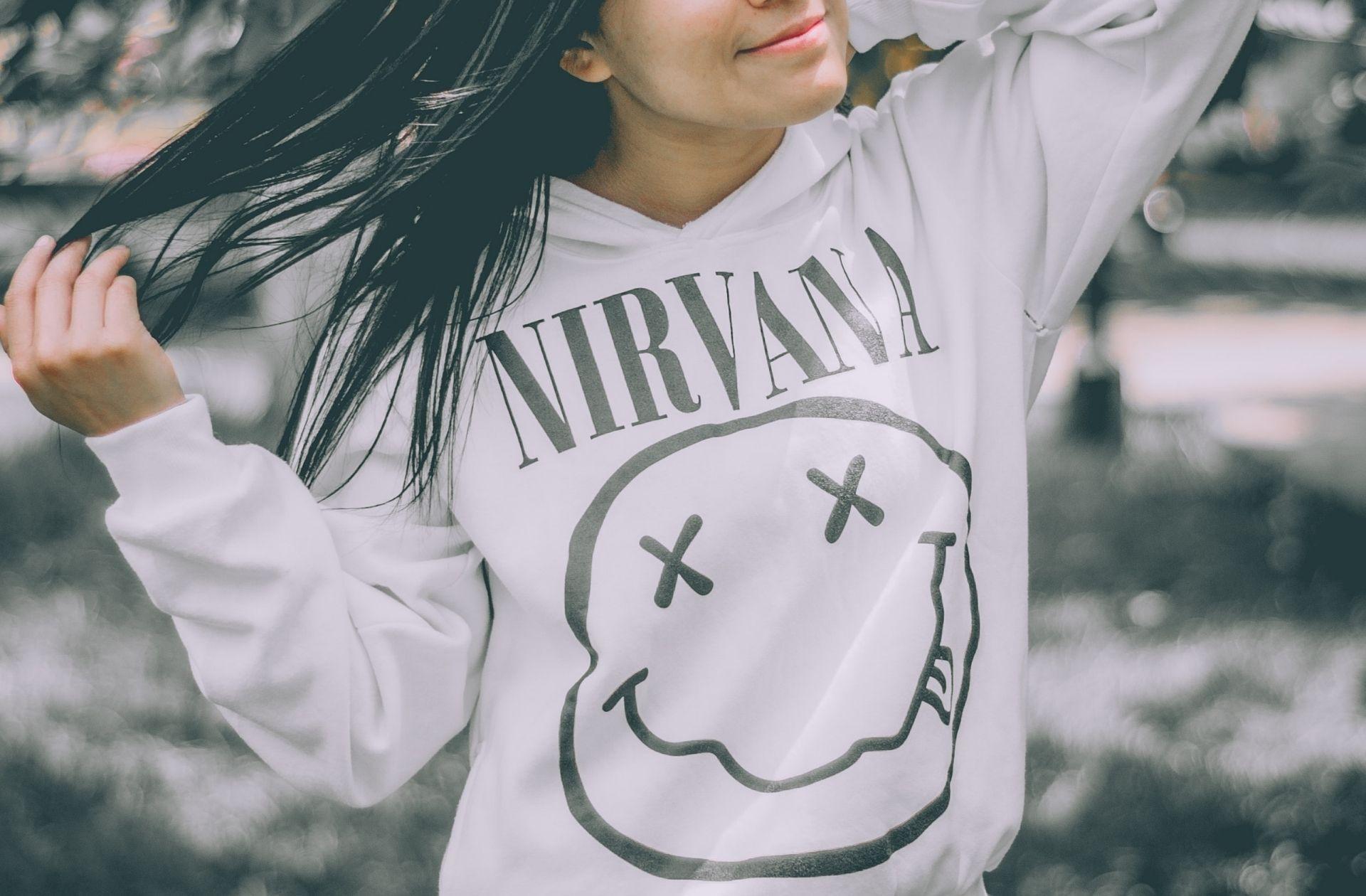 J'étais une vieille conne qui embrouille les ados en t-shirt Nirvana. Heureusement, j'ai changé